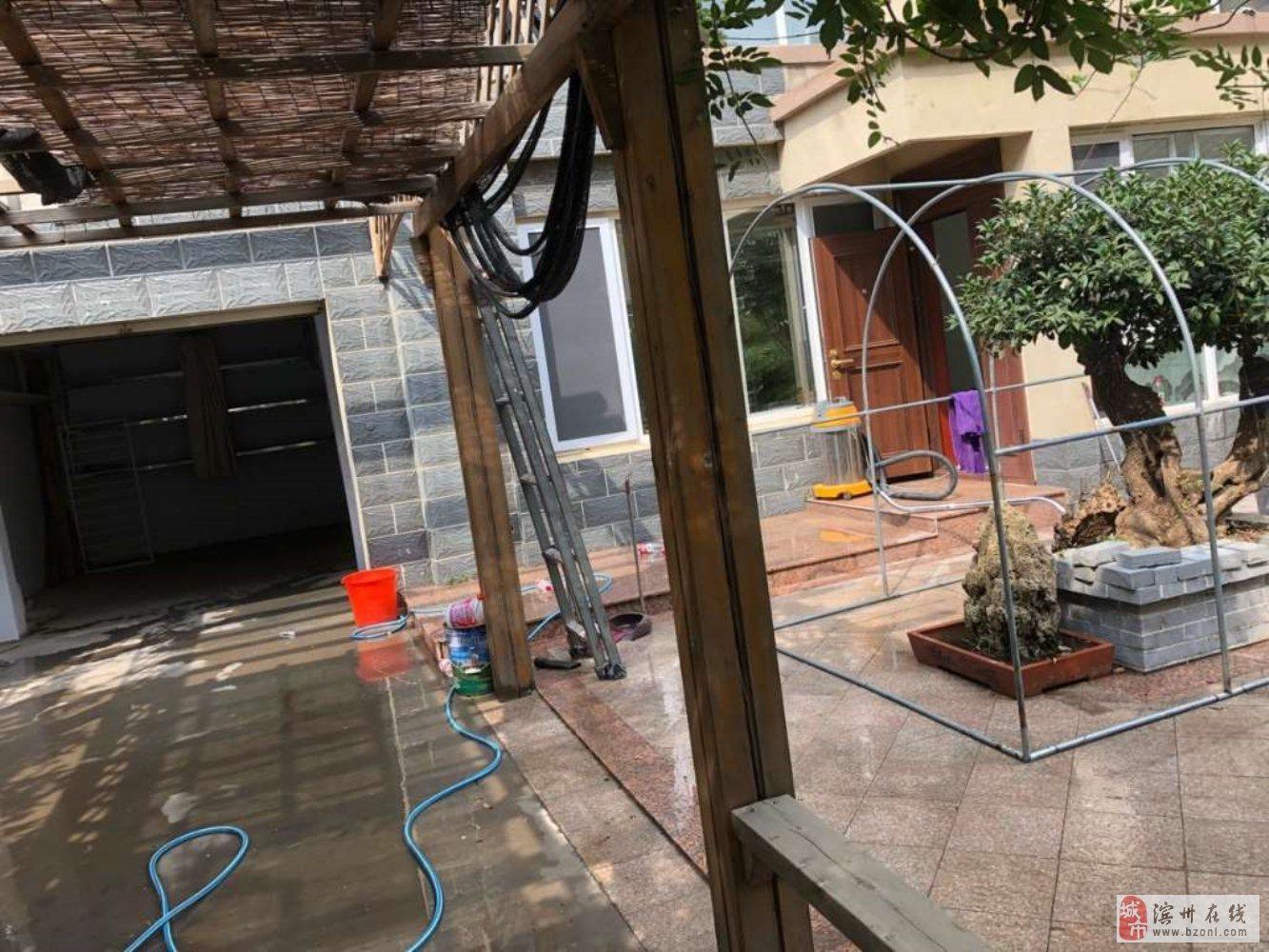 泰山名郡西实验带车库+院精装大3室