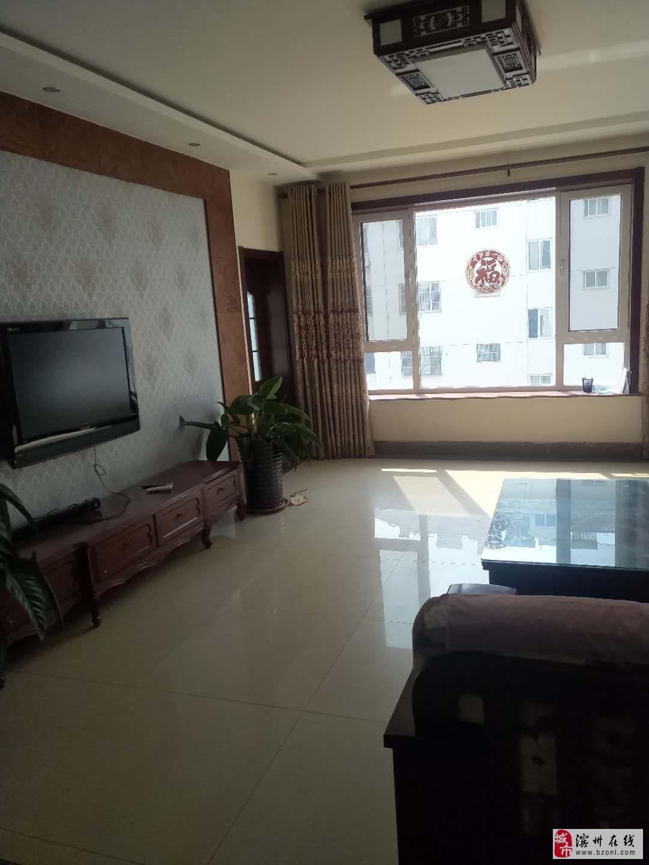 吉泰华滨4室2厅2卫179万元多层3楼送车