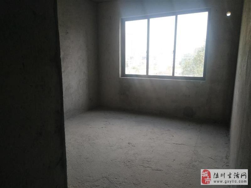 鸣大小区2室2厅2卫30.49万元业主在香港钥匙在