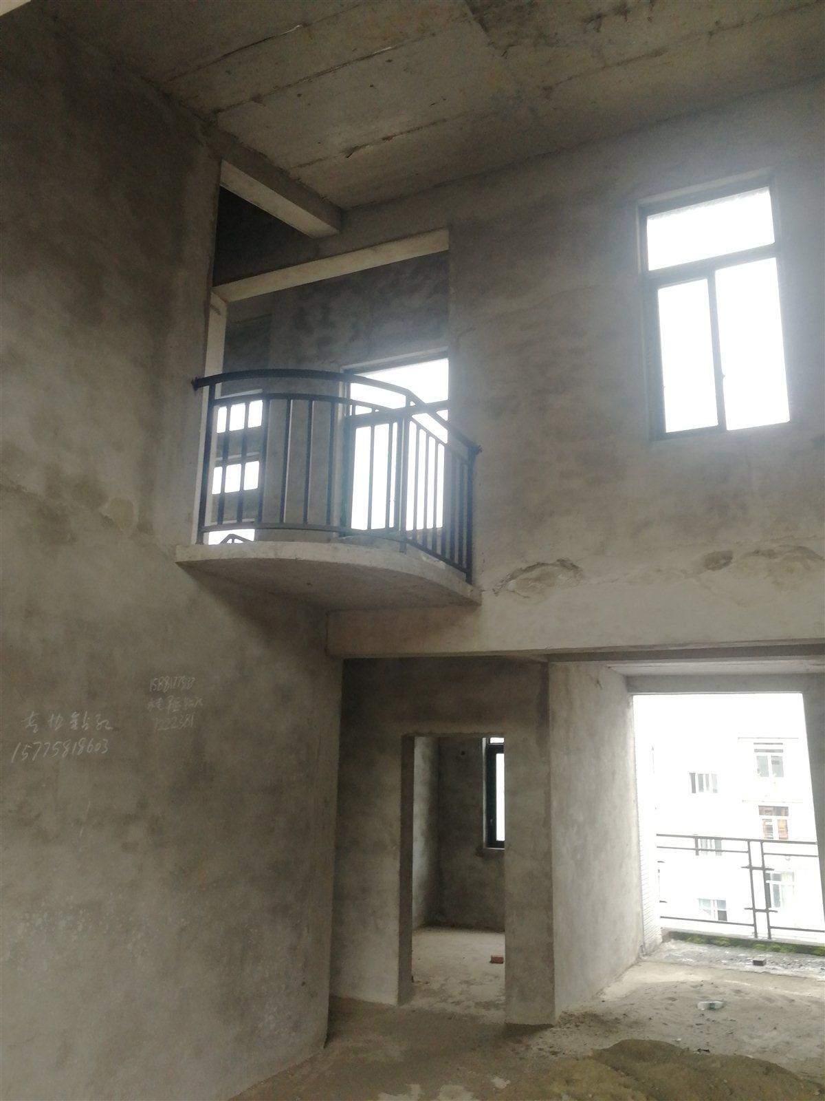 御景江山6+1买137得200平米楼中别墅