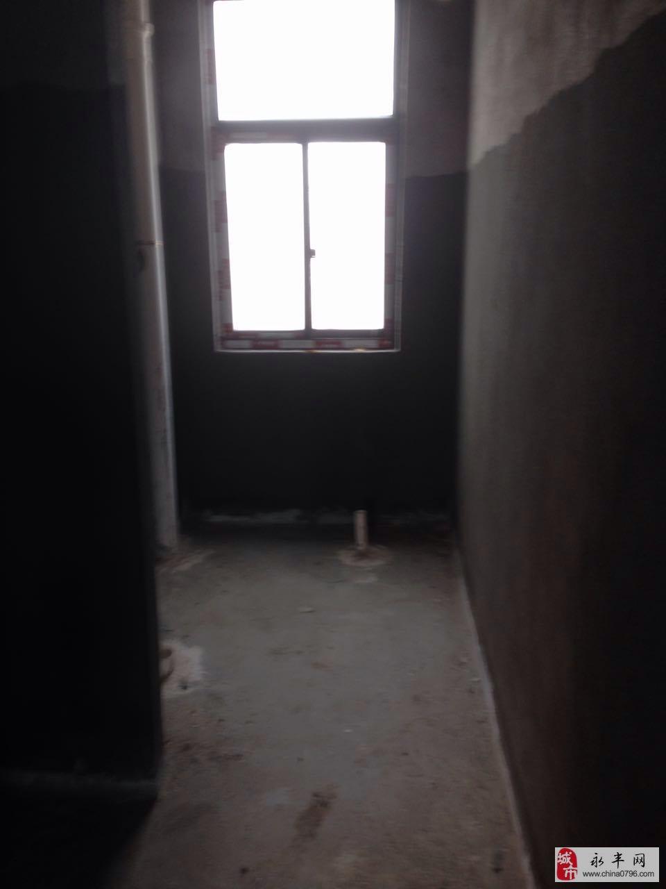桥南金峰苑3室2厅2卫86万元