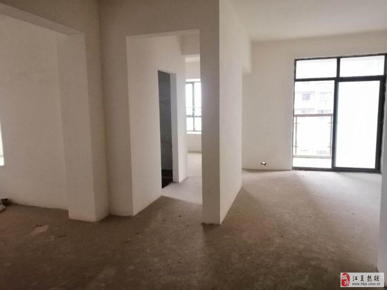 鸿发世纪城毛坯2室2厅1卫117万元