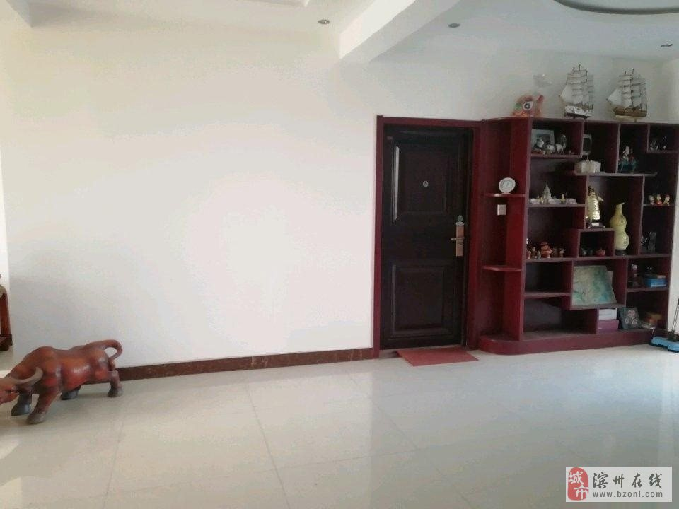 望海花園4室168萬元電梯3樓送地上車庫