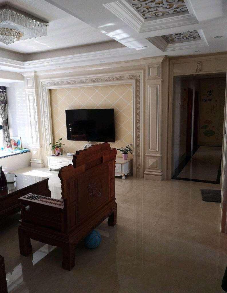 永隆二期4室2厅2卫193万元