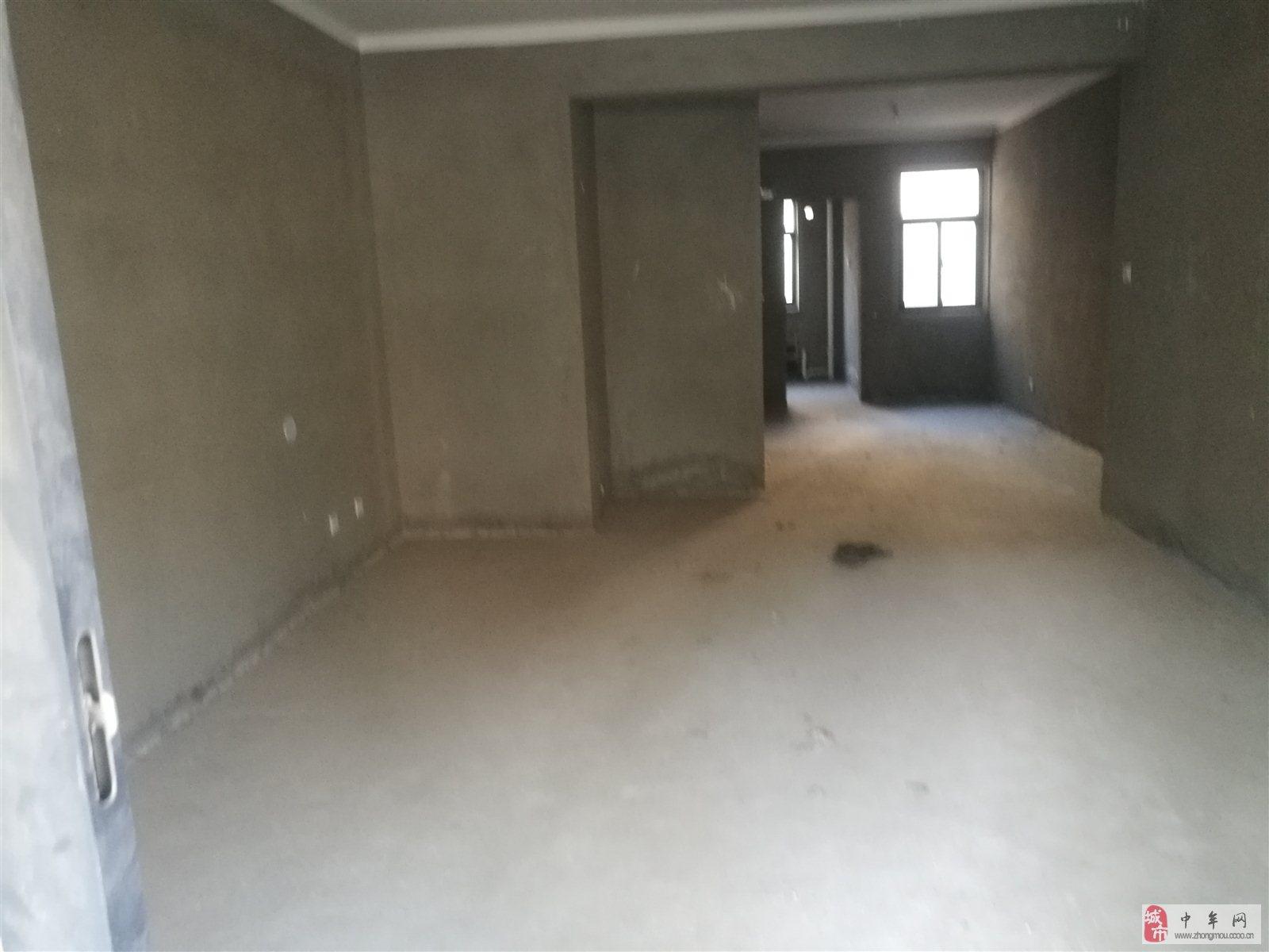绿博半岛3室2厅2卫160万元