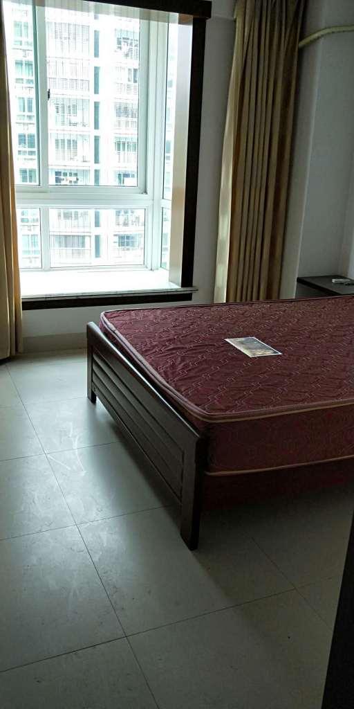 登科小区3室2厅2卫120万元