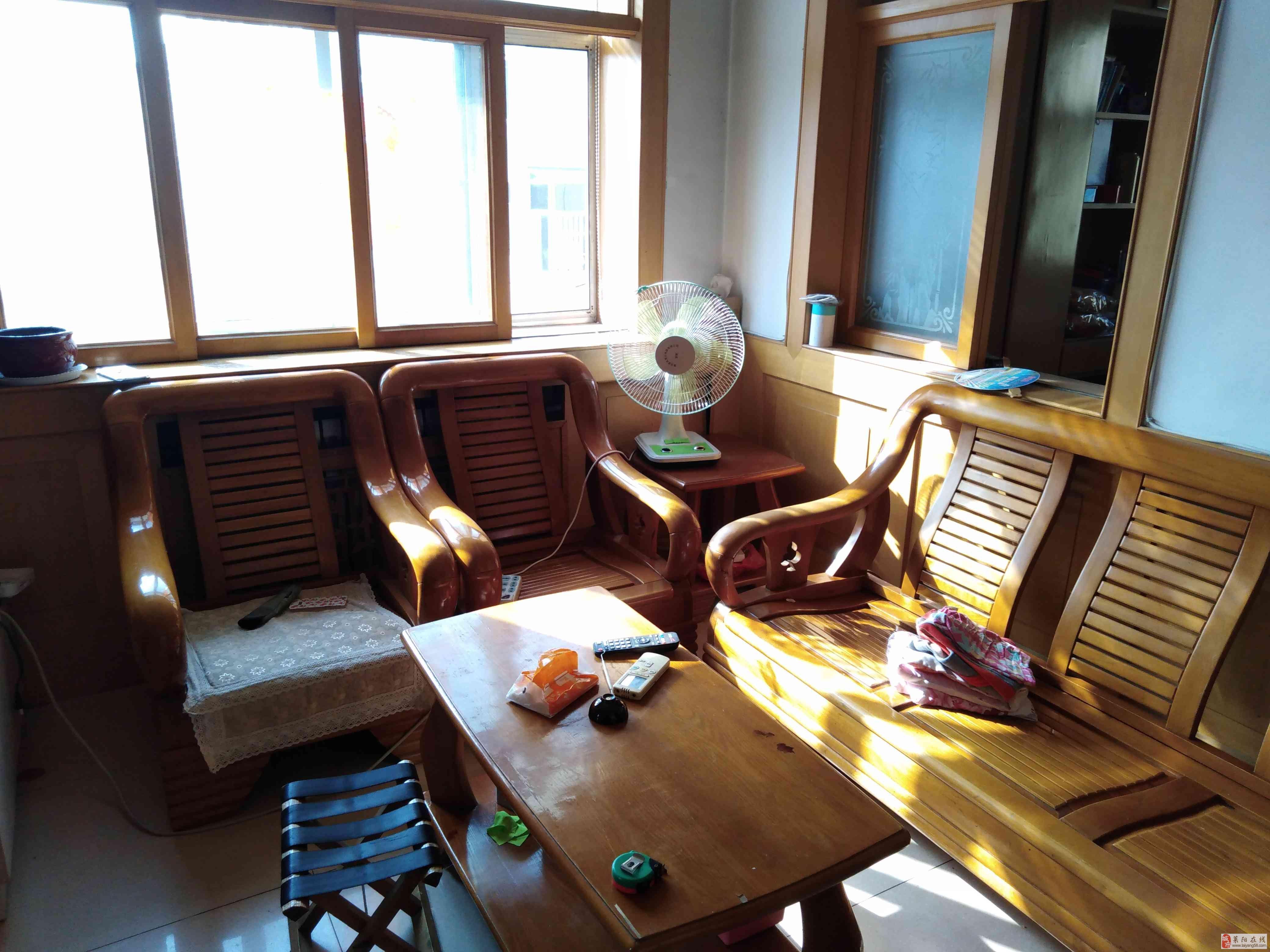 东关片妇幼南单位福利房4楼72平三室