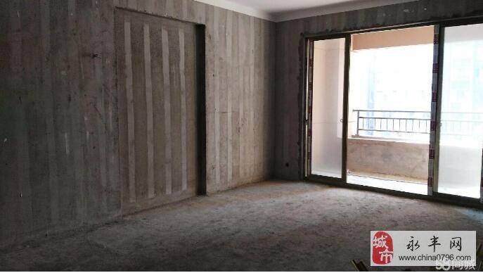 财富中央城3室2厅2卫138万元   带超大露台