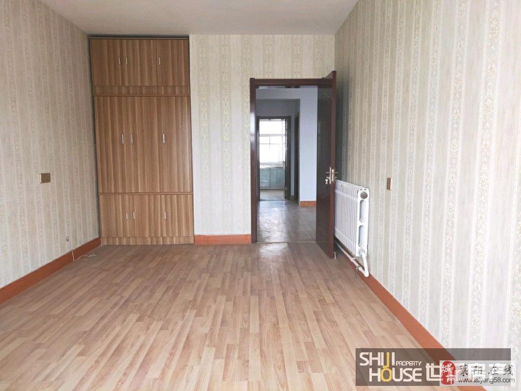 蚬河小区3室精装婚房地上室东窗42万元