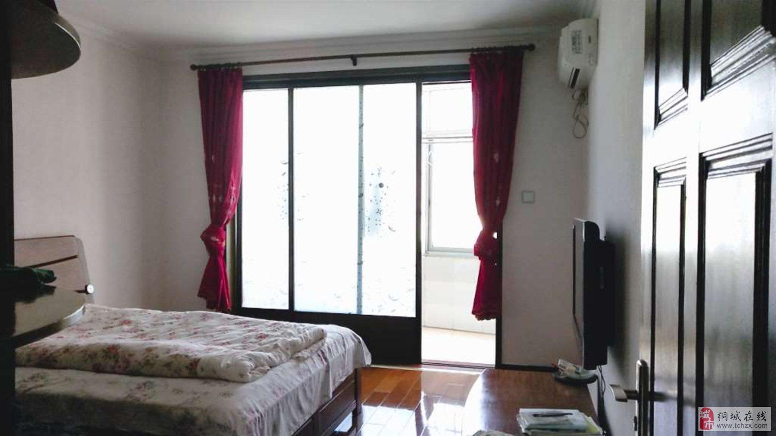 绿洲家园5室2厅3卫200万元