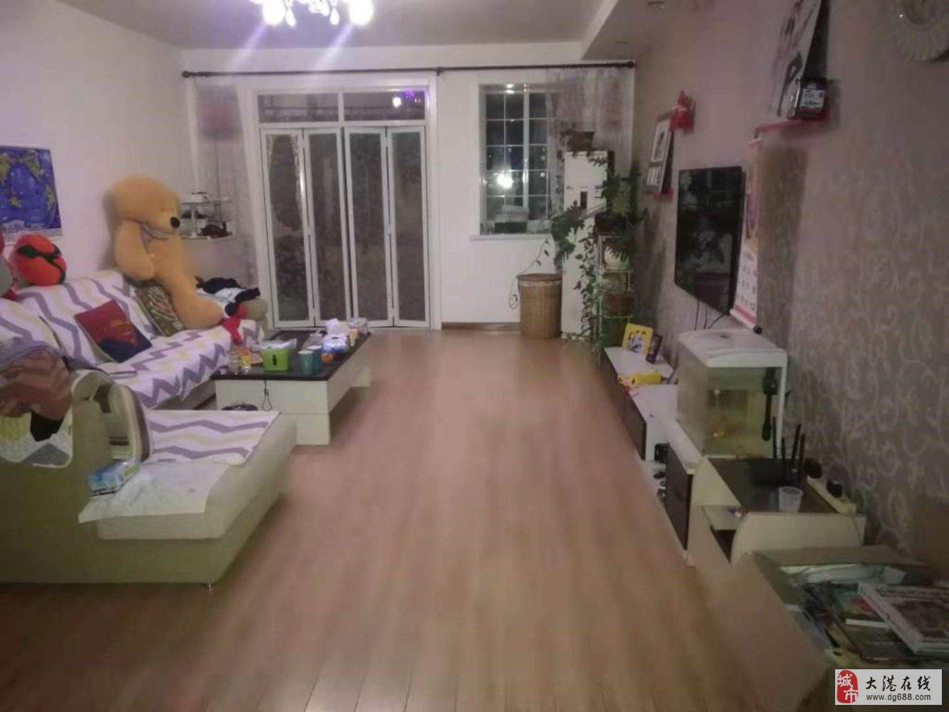 春港花园三楼140平米三室两厅两卫南北通厅