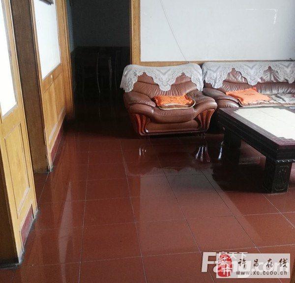 金三角石油公司家屬院3室2廳1衛55萬元
