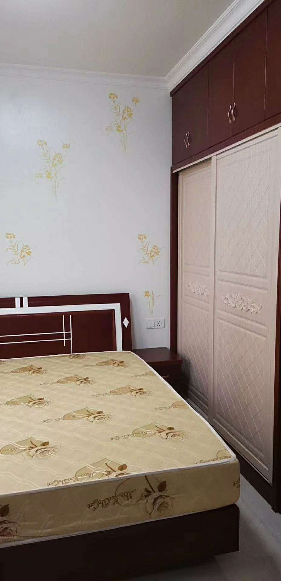 润锦首府3室2厅2卫99.8万元