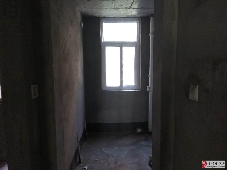 天明城4室2厅1卫150万元