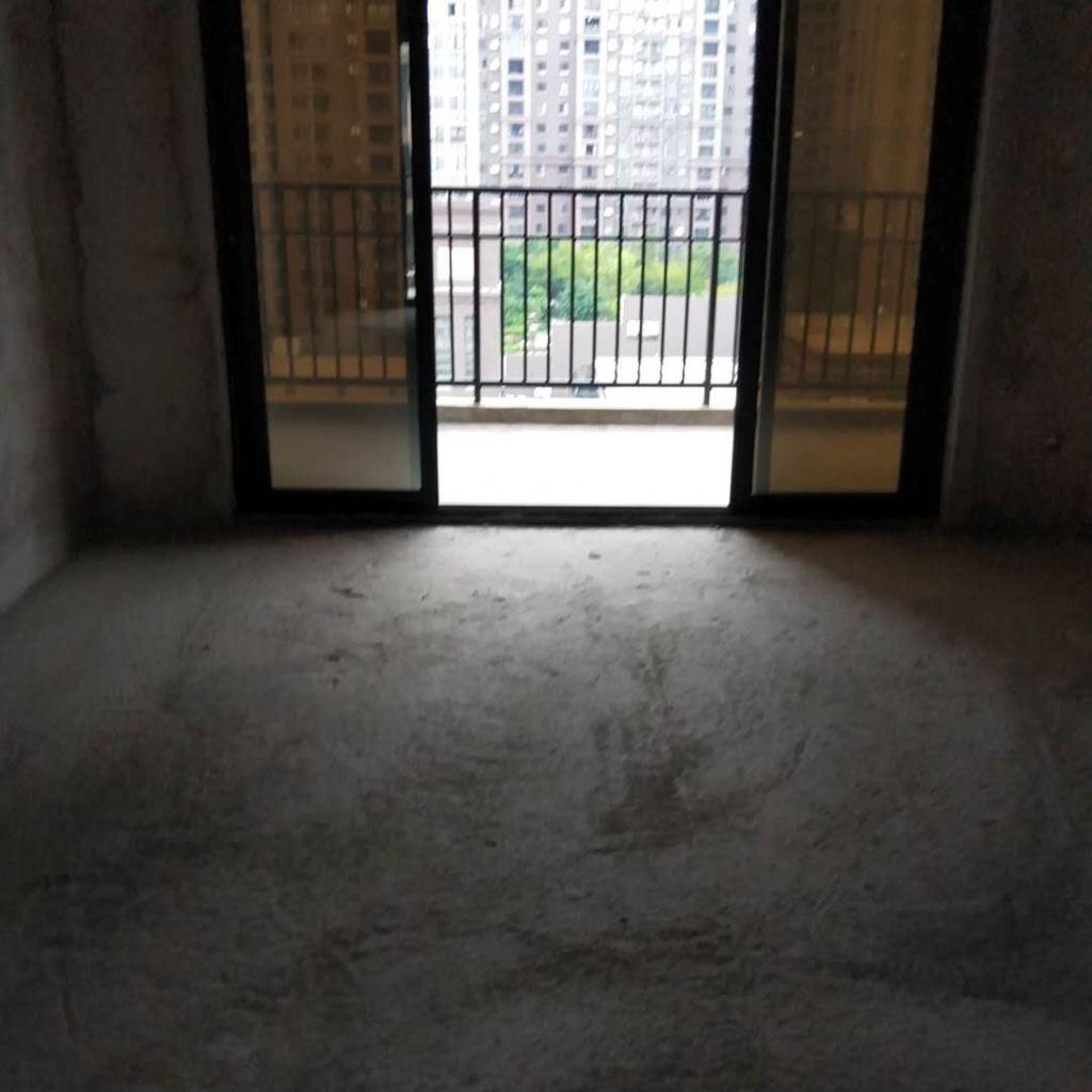 永隆国际城黄金楼层边套南北朝向110平方
