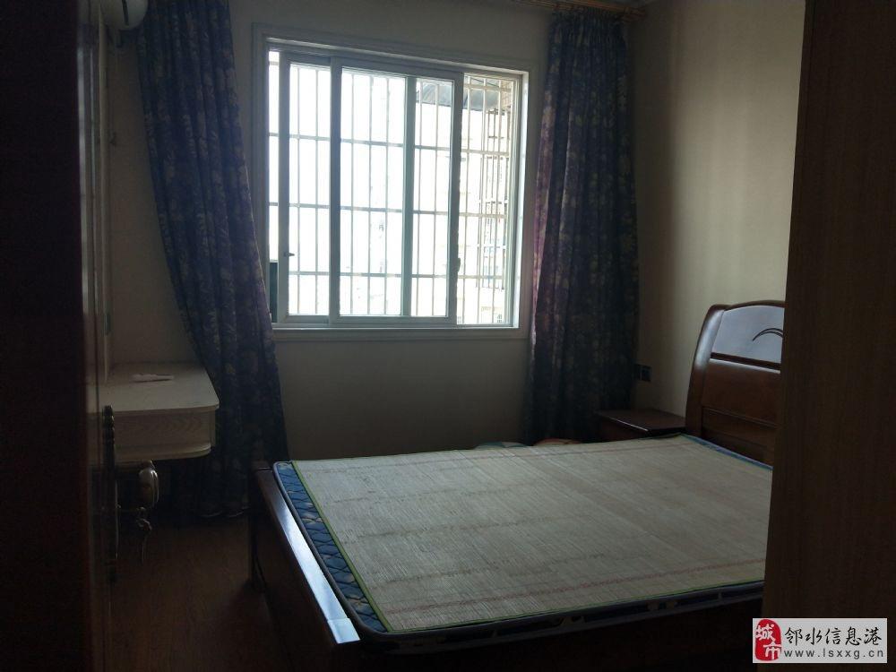 万泰翡翠城4室2厅2卫89万元