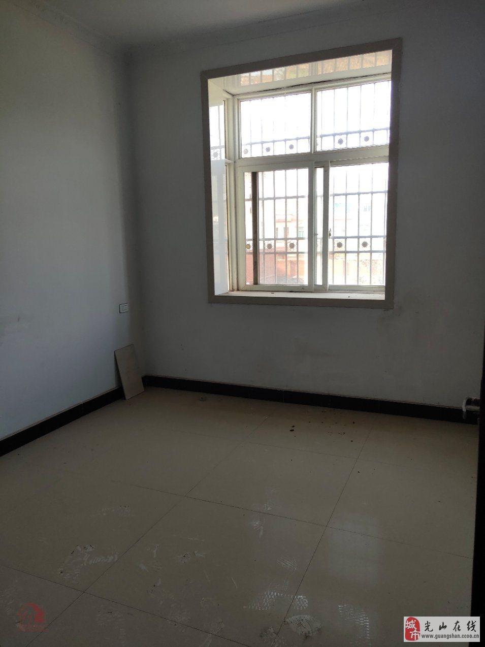 富锦庭院3室2厅1卫60万元