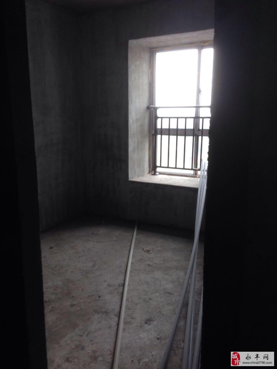 桥南天立公园华府3室2厅2卫76万元