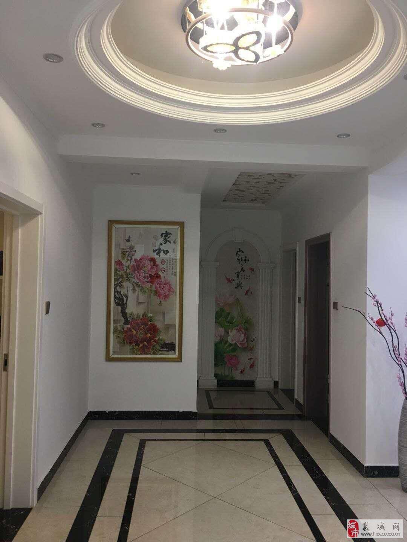 急售欧洲印象大三房电梯高层精装送家具家