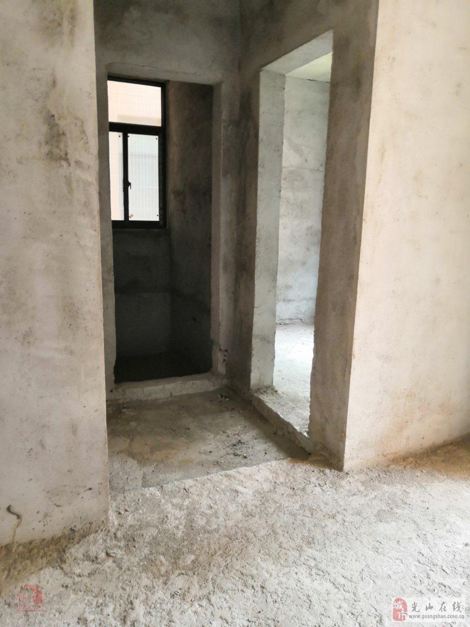滨河新城3室2厅2卫110万元