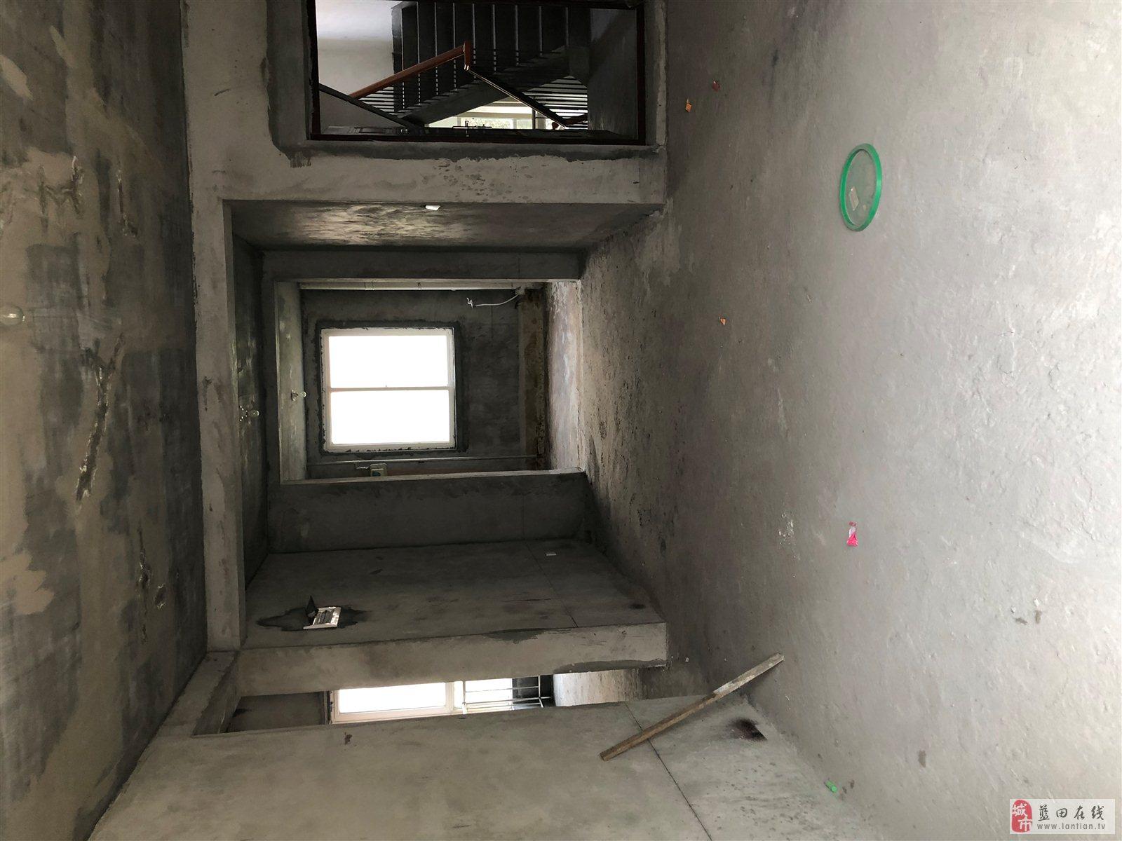 蓝田新城2室2厅1卫61万元