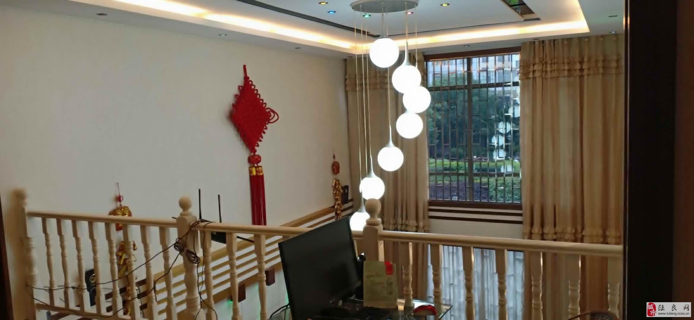 鑫城国际5室2厅2卫中空跃层72.6万元