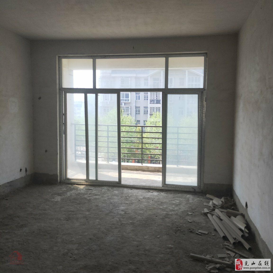 中心商厦3室2厅2卫99万元