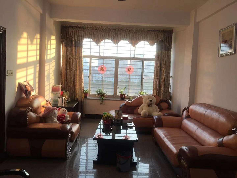 河滨南路3室2厅2卫52.8万元