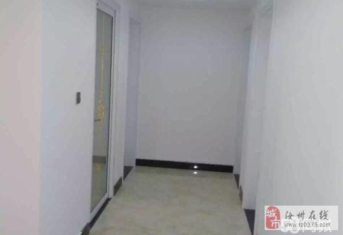 维也纳新城3室2厅2卫75万元