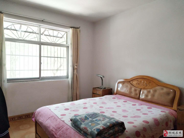 纪委宿舍楼:3室精装拎包入住房东急售到价签