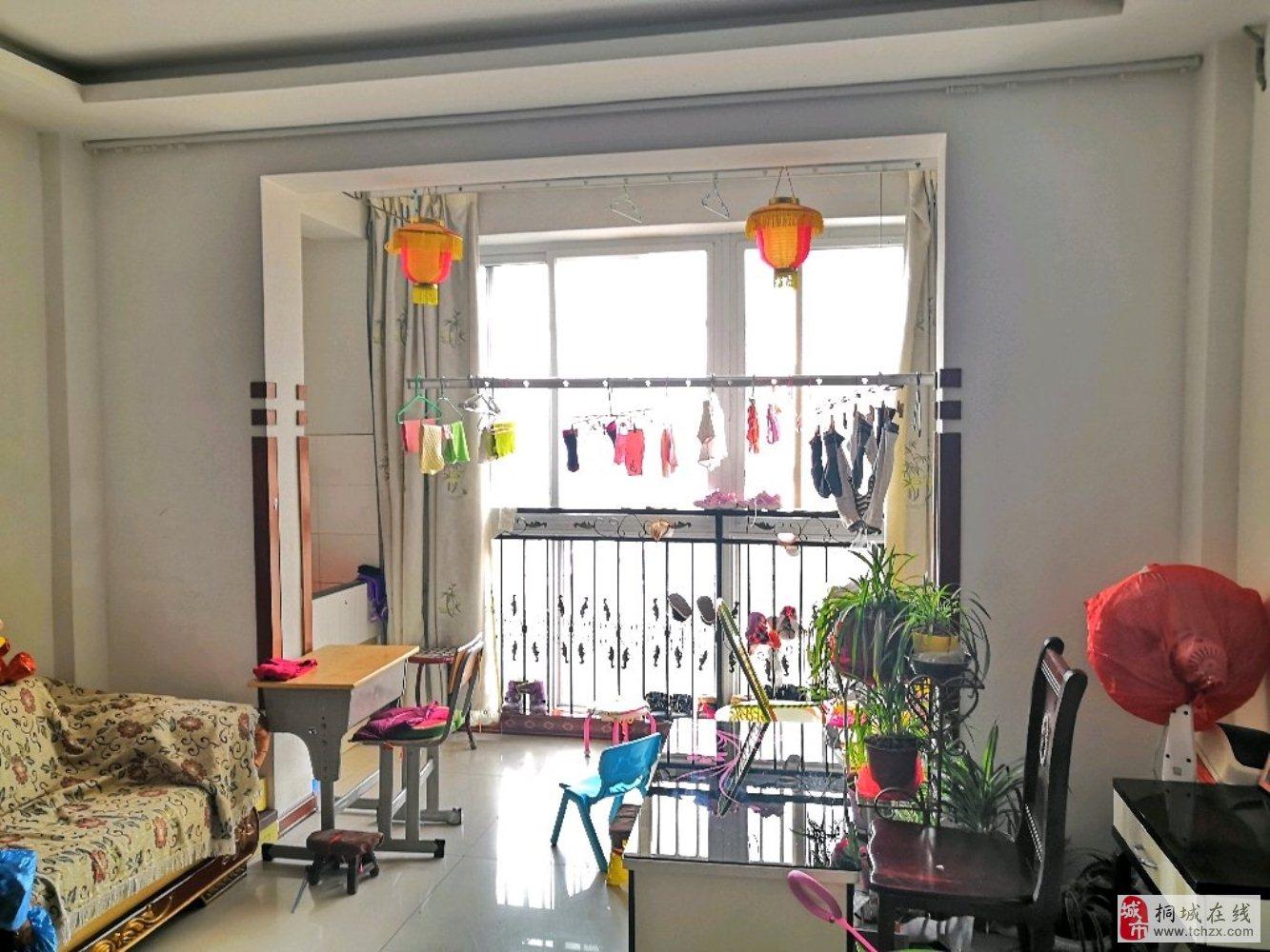 东苑新村精装2室2厅,采光通风好,近学校45万元