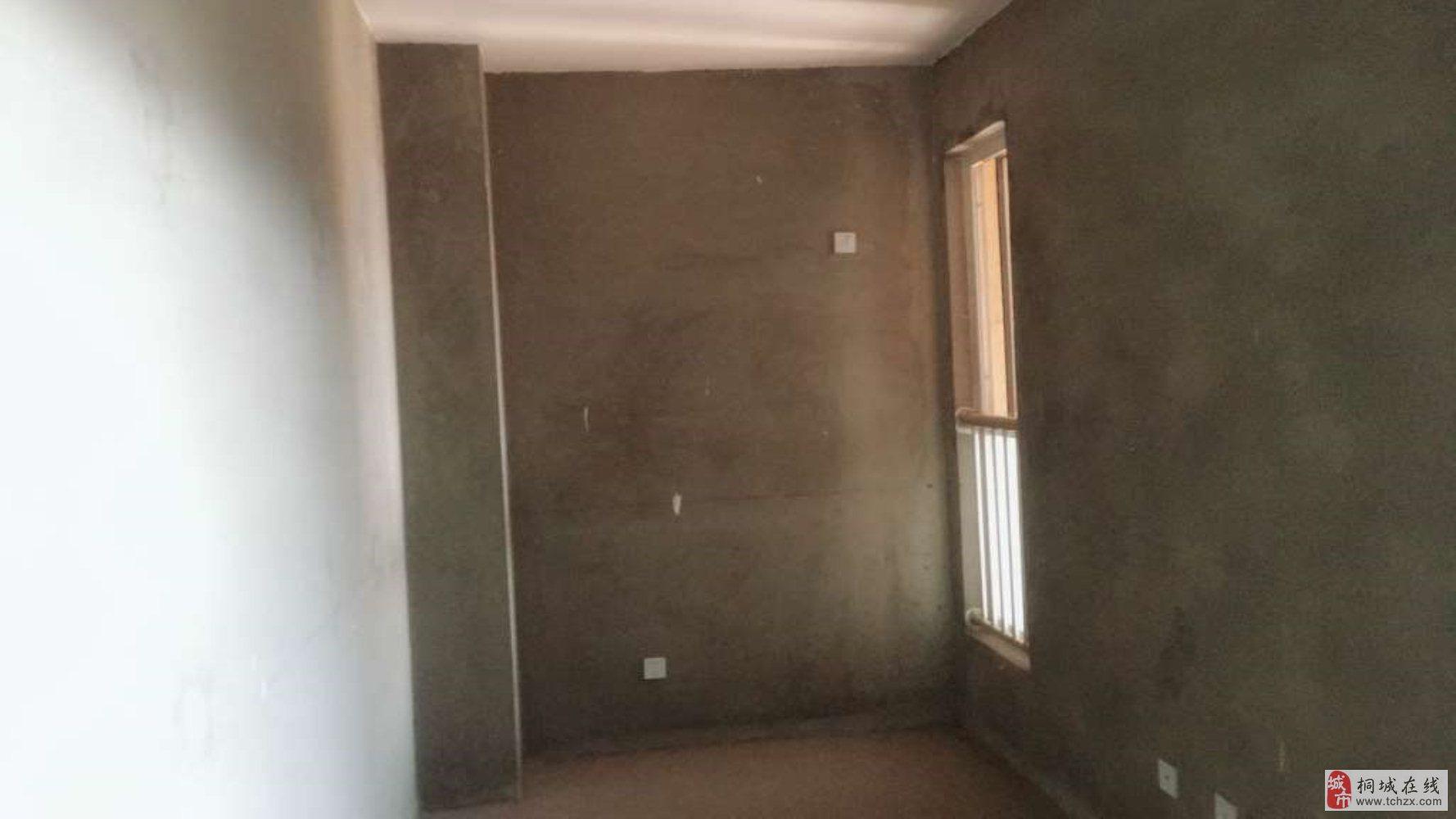 急售龙腾锦绣城毛坯房4室2厅2卫65万元