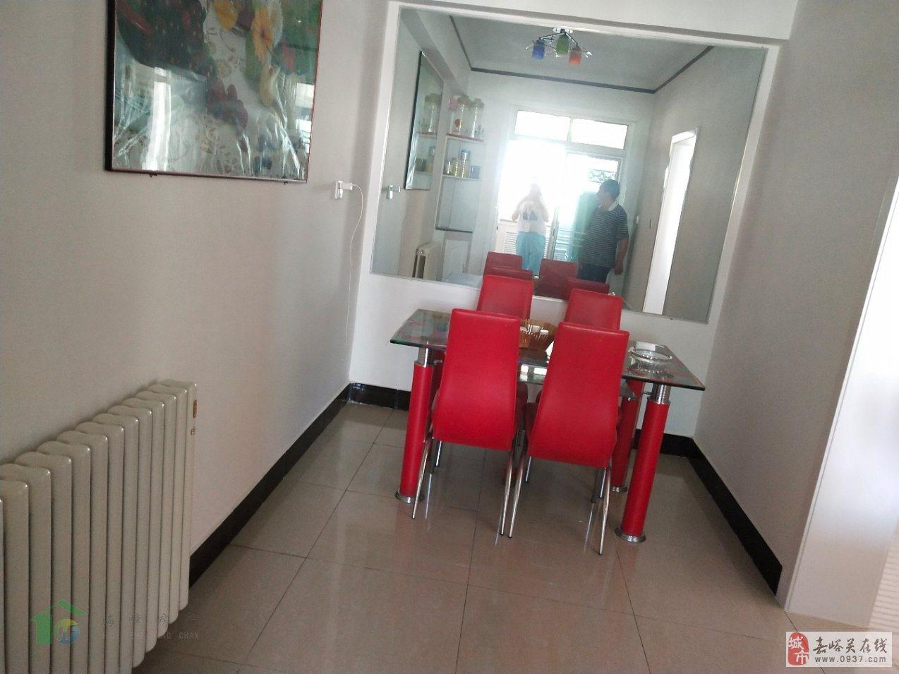 昌明街3室2厅120平4楼新装带33平米地下室