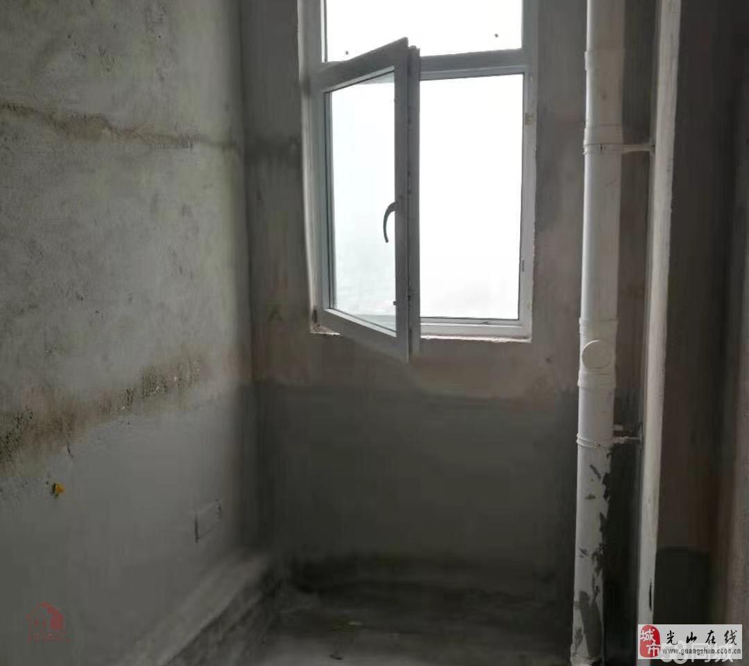 天境广场3室2厅1卫101万元