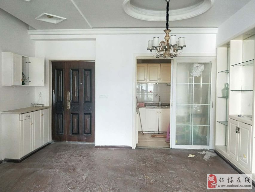 国酒新城3室2厅2卫72.8万元
