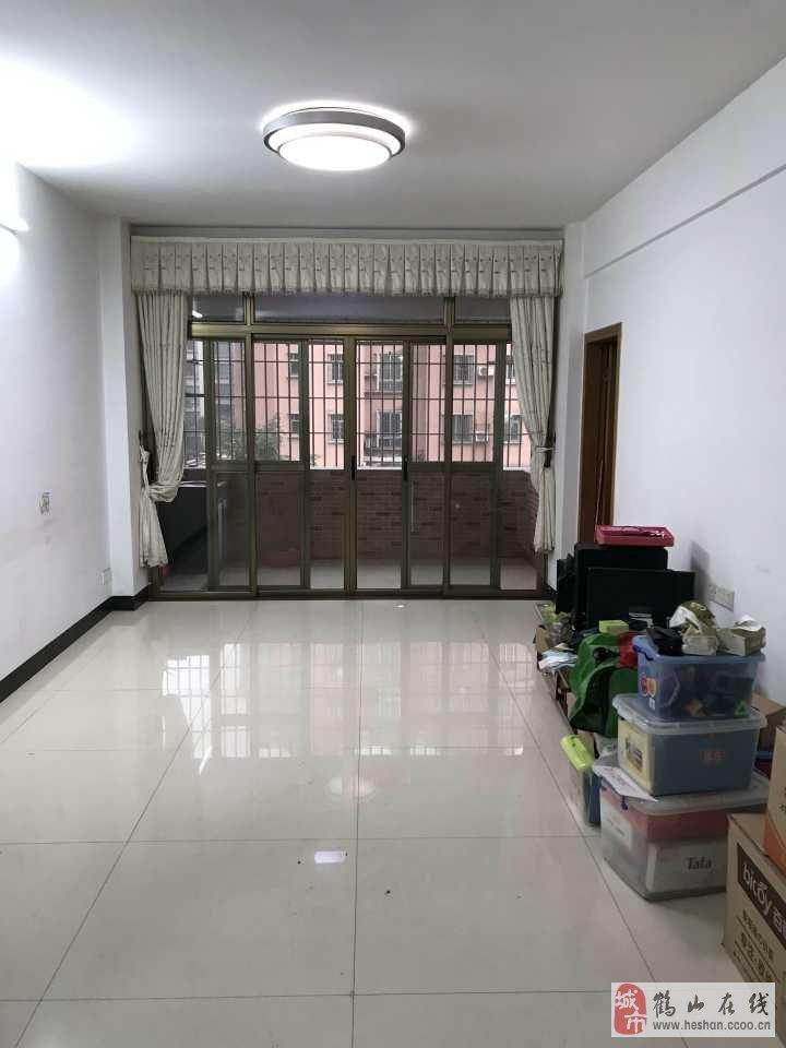美景花园4楼精装2室2厅2卫36万元