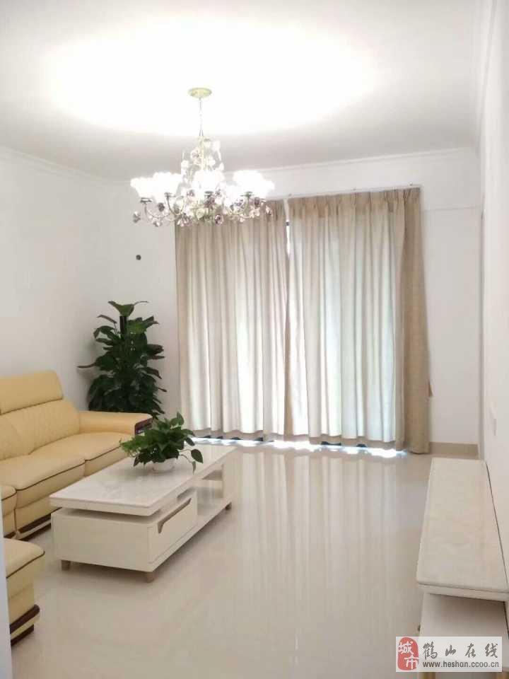 尚城雅苑精装修中等楼层3室2厅2卫79.8万元