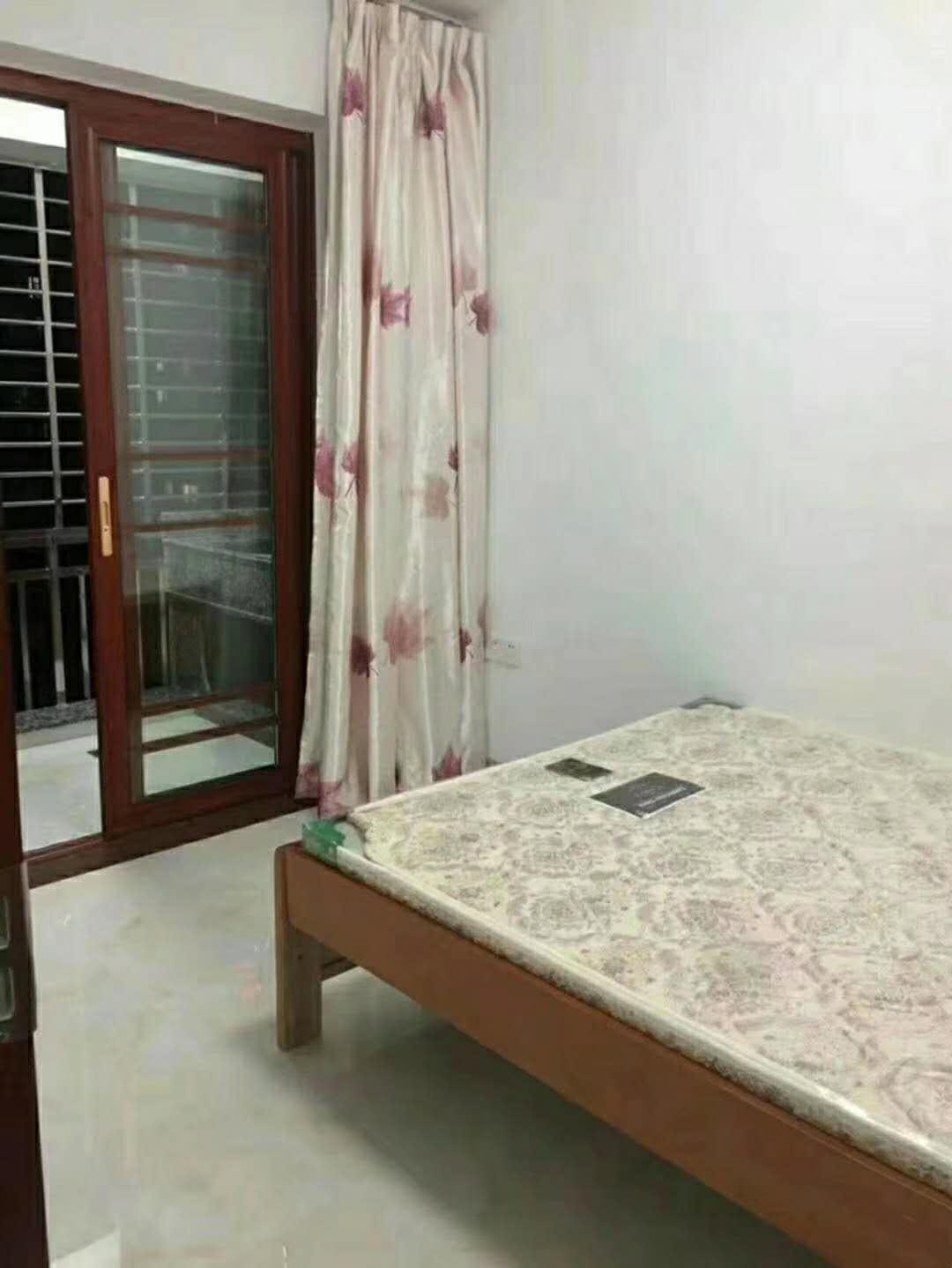 山水湾3室2厅2卫137万元