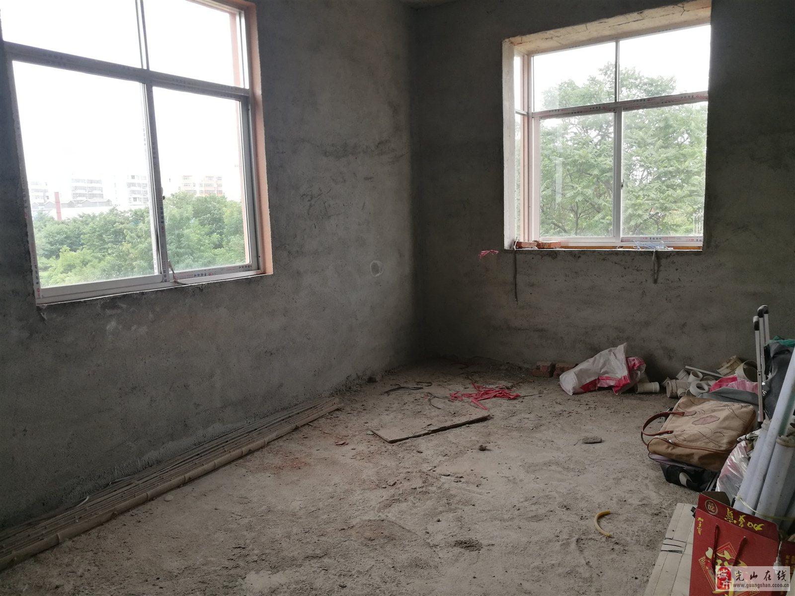精茶小区3室2厅2卫32.8万元可以分期