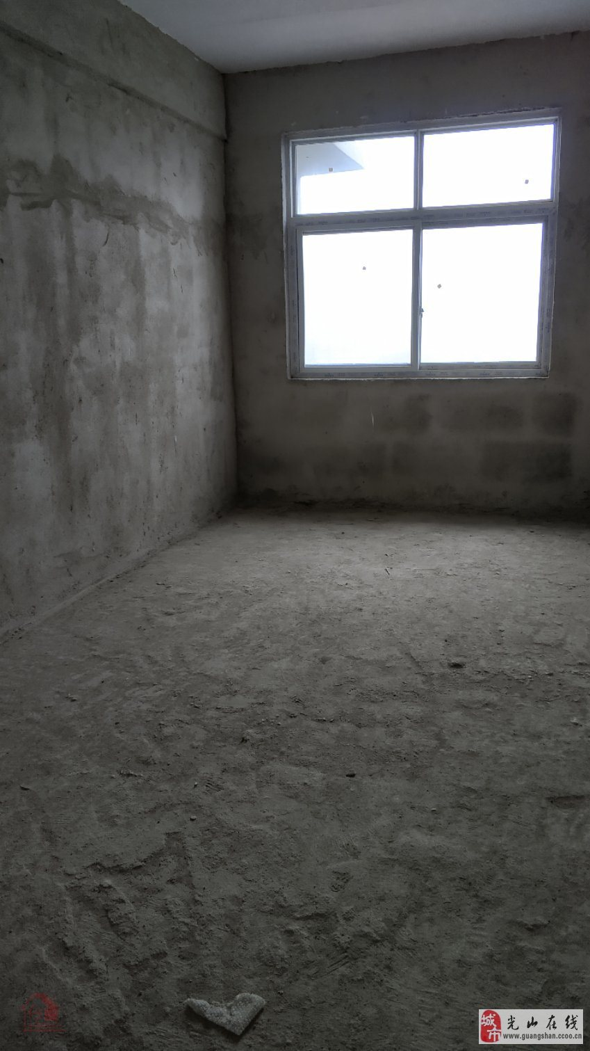 银河商厦3室2厅2卫76万元
