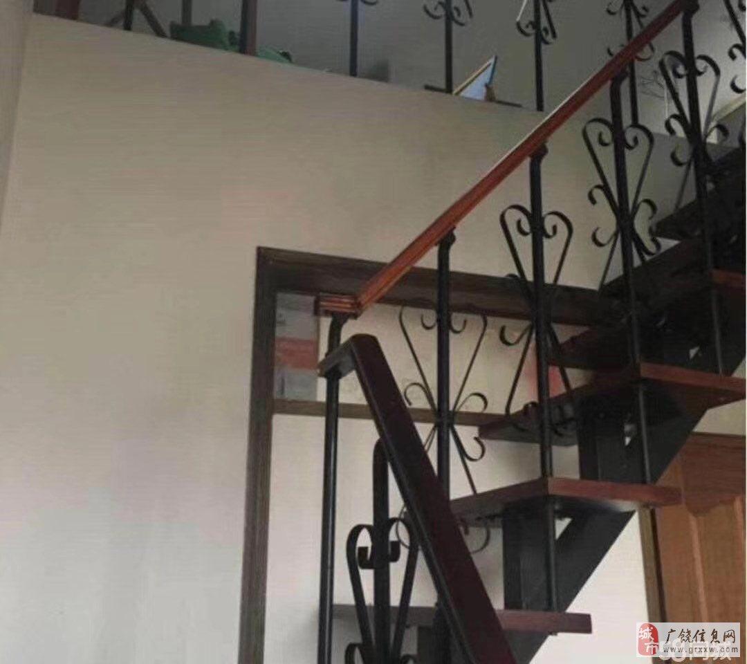 渤海明珠,5楼,97平,带储藏室,阁楼,满五年78万元