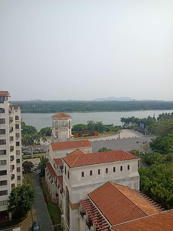 伊比亚河畔河景毛坯可改三房急售中
