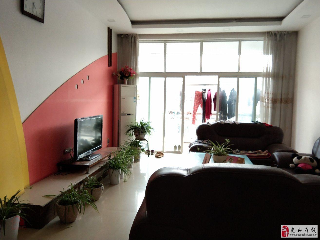 紫弦庭苑3室2厅2卫60万元可按揭送车棚
