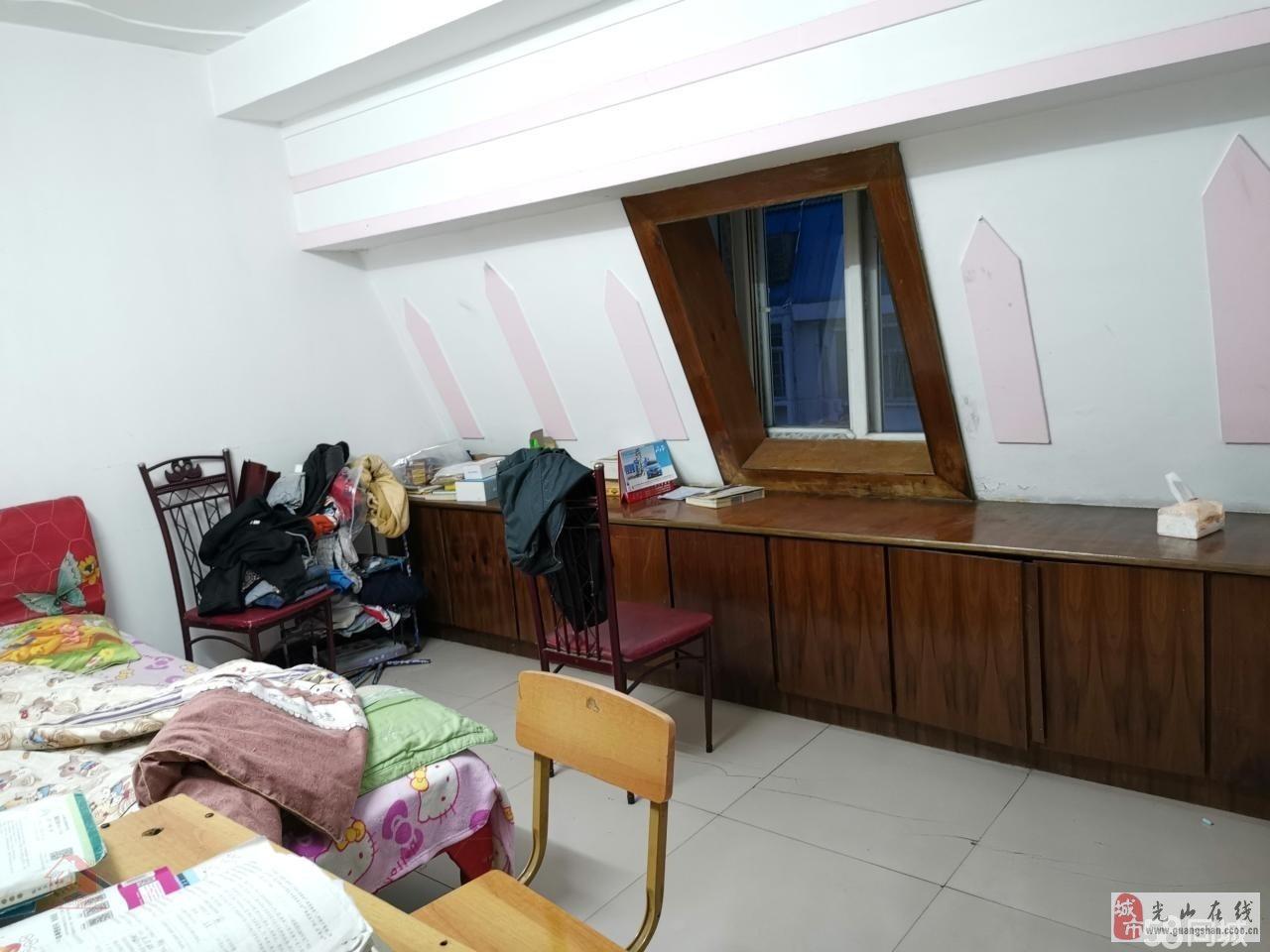 紫弦庭苑4室2厅2卫52万元