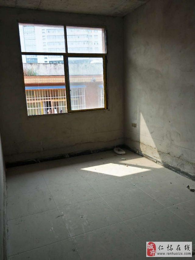 市医院后门附近3室1厅1卫38万元
