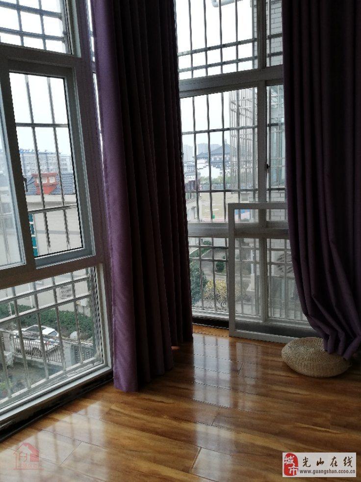 紫玉庭院3室2厅2卫90万元