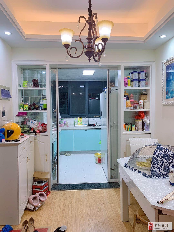 金宁锦秀家园,客厅通阳台,有防水层