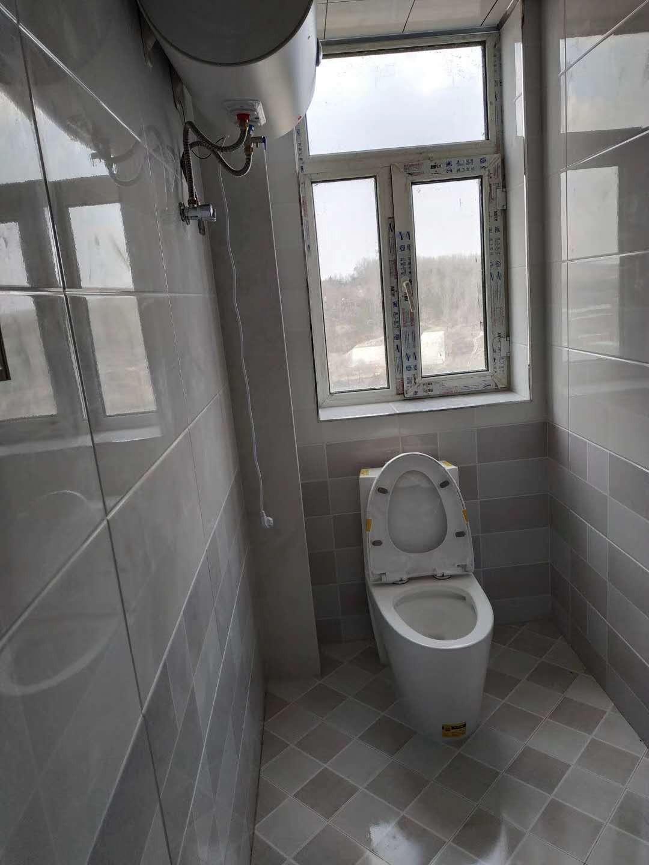 朝阳小镇1室1厅1卫28.5万元