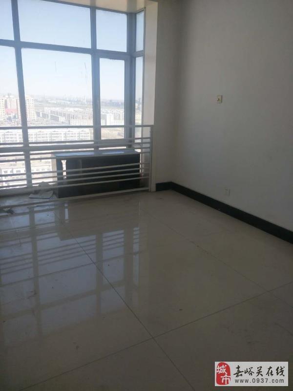 新华街区板高550平5室2厅2卫165万元