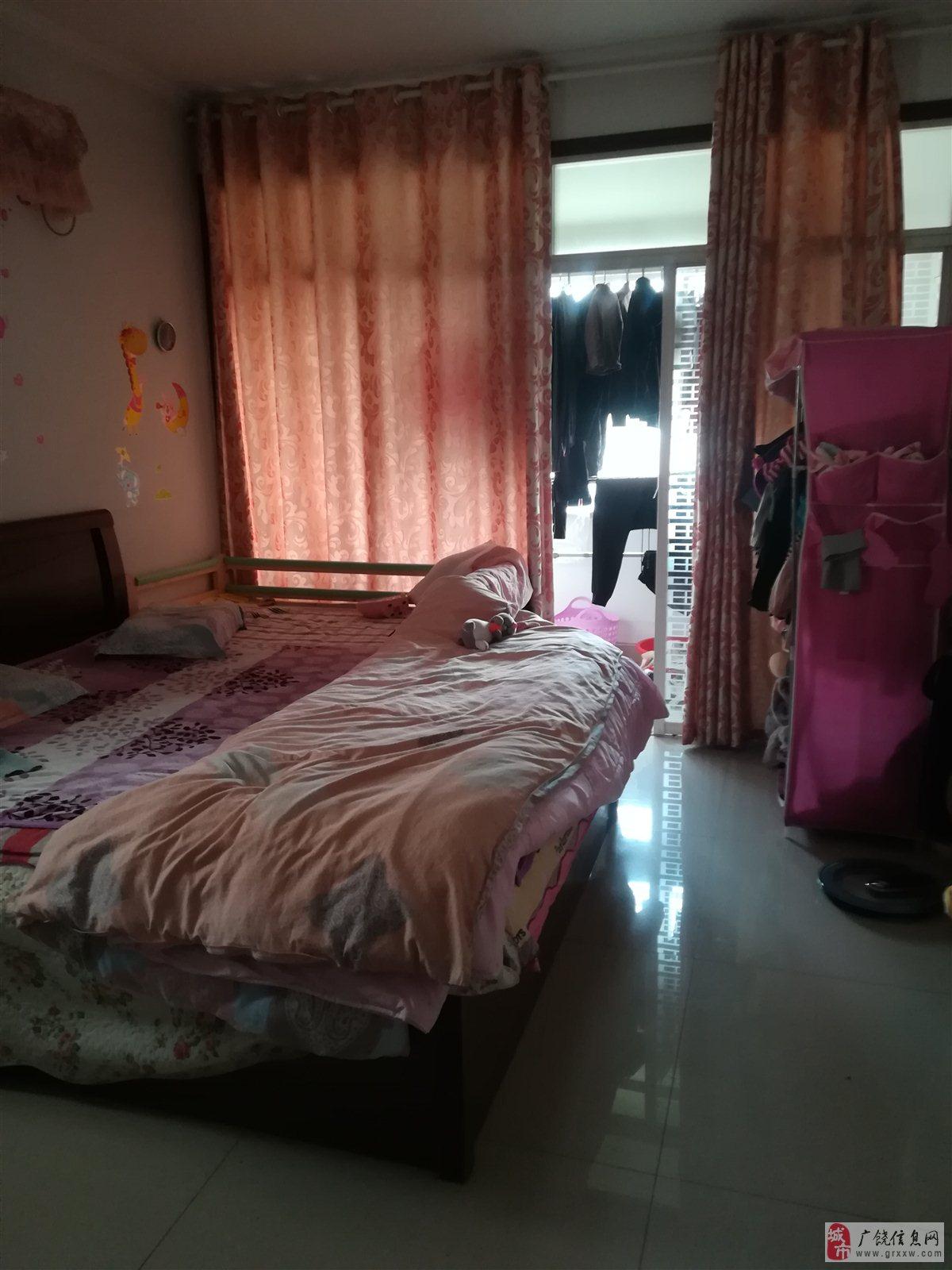 渤海阳光4楼118平3室2厅1卫66万元